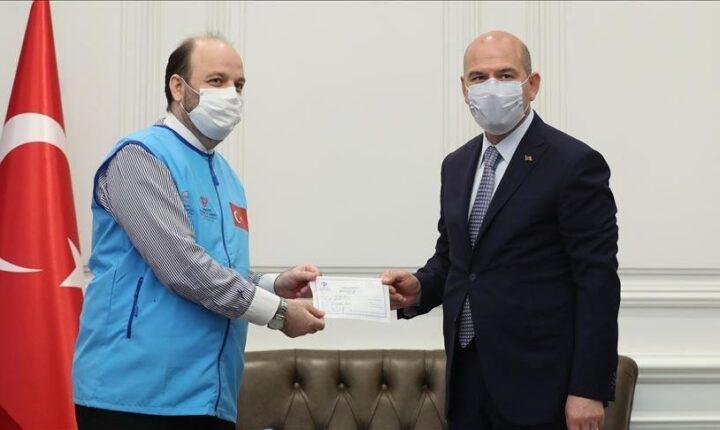 وزير الداخلية التركي يتبرع بـ 10 منازل لإدلب السورية