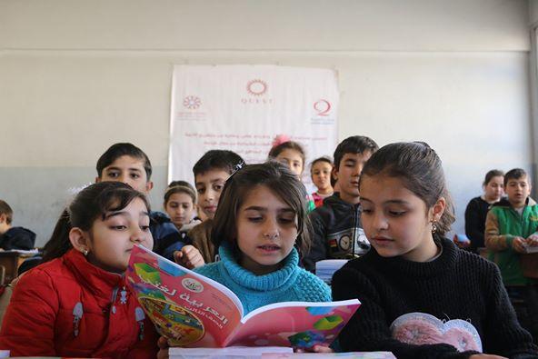 قطر الخيرية تنهي المرحلة الثانية من توزيع الكتب المدرسية