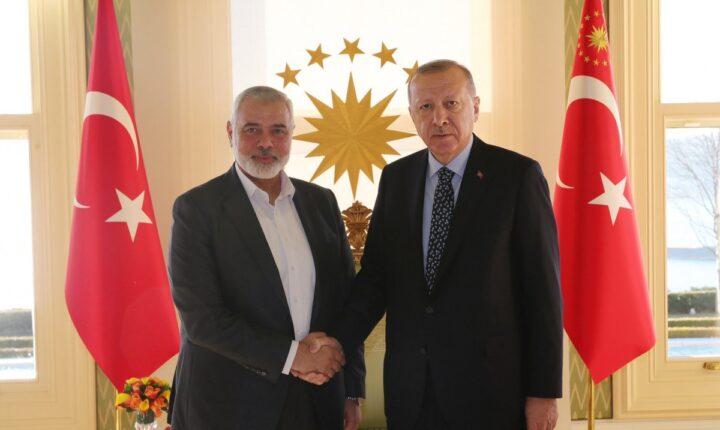 هنية يهنئ أردوغان بإعادة فتح مسجد آيا صوفيا الكبير