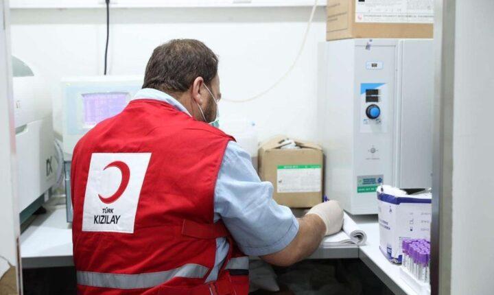 الهلال الأحمر التركي يحقق حلم شاب في أفغانستان
