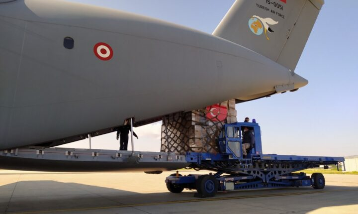 """لمواجهة """"كورونا"""".. تركيا ترسل مساعدات طبية إلى أذربيجان"""