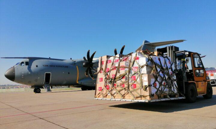 """لمكافحة """"كورونا"""".. تركيا ترسل طائرة مساعدات ضخمة إلى صربيا"""