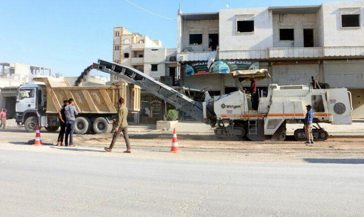 """بالتعاون مع ولاية """"غازي عنتاب"""".. محلي """"الباب"""" يطلق مشروع تعبيد الشوارع الرئيسية في المدينة"""