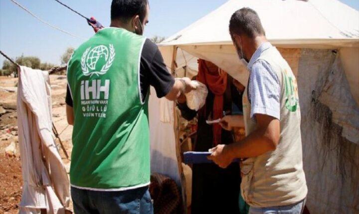 """""""الإغاثة التركية"""" تطلق مبادرة لتوزيع 50 ألف رغيف خبز على النازحين بريف إدلب"""
