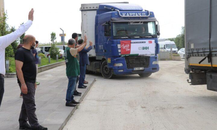 هيئة الإغاثية التركية ترسل شاحنتي طحين إلى بيروت