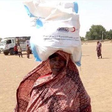 تركيا تواصل تقديم مساعداتها الإنسانية لمتضرري الفيضانات بالسودان