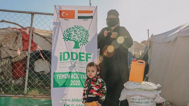 توزيع مساعدات تركية على 500 أسرة يمنية من طرف اتحاد الجمعيات الإنسانية التركية في منطقة مأرب شمالي اليمن