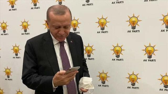 """أردوغان يتصل بالطفلة """"آيدا"""" أيقونة زلزال إزمير"""