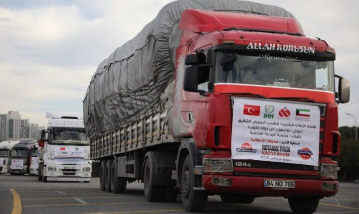 منسقو الاستجابة: نحو 20 ألف شاحنة محلمة بالمساعدات الإنسانية دخلت الشمال المحرر خلال 2020