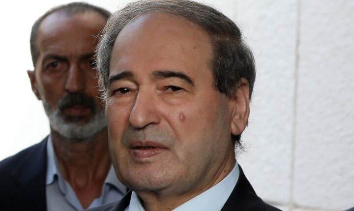 """الاتحاد الأوروبي يفرض عقوبات على """"وزير خارجية"""" الأسد ويحظر دخوله لأراضيه"""