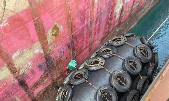 السلطات العراقية تفكك لغماً التصق بسفينة نفطية