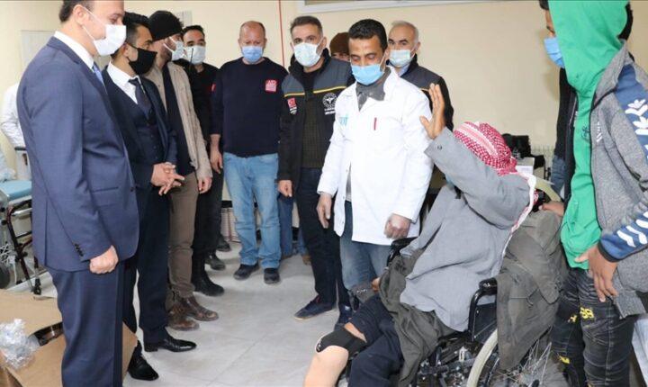 تركيا تهدي مبتورين سوريين أطرافا صناعية