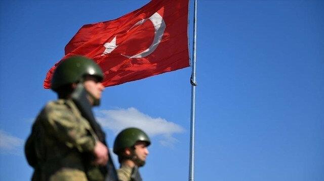 """الدفاع التركية: ضبط أسلحة وذخائر لإرهابيي """"بي كا كا"""""""