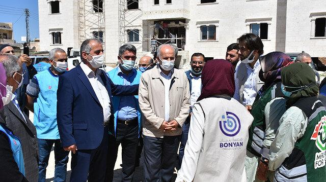 وقف تركي يوزع 200 طرد غذائي على أسر في أعزاز السورية