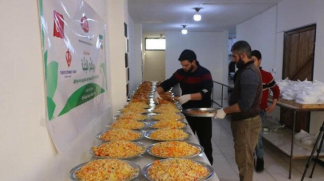 """عفرين.. """"ديتيب"""" التركية تقدم وجبات إفطار لـ 200 سوري يومياً"""