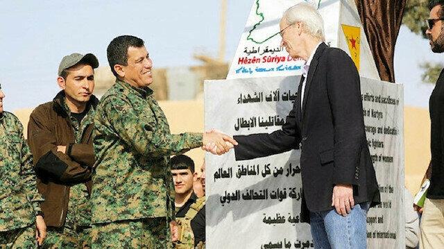 سفير أمريكي سابق يعترف بدعم بلاده للتنظيمات الإرهابية في سوريا