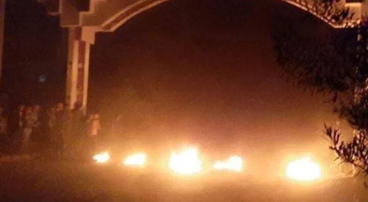 احتجاجات في كناكر جراء اعتقال 28 شاباً من قبل قوات النظام