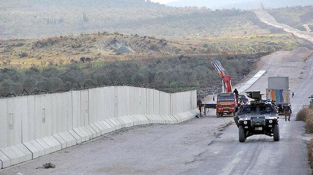 القبض على 4 أشخاص حاولوا التسلل إلى تركيا عبر سوريا