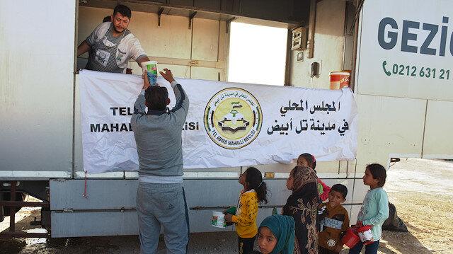 يوميًا.. الإغاثة التركية توزع 3 آلاف وجبة إفطار في تل أبيض السورية