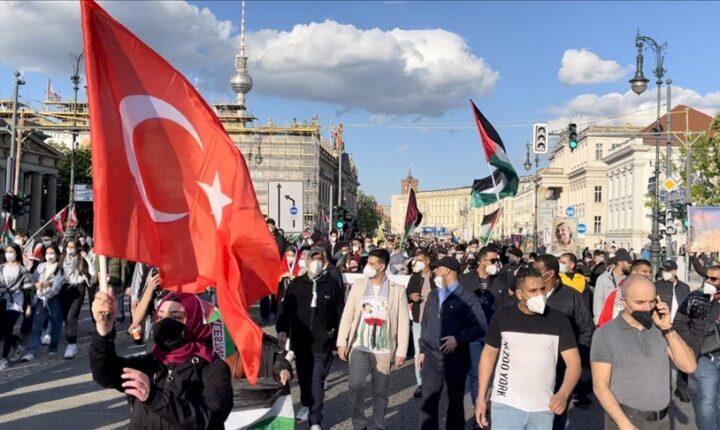 إسطنبول..وقفة للتنديد بالعدوان الإسرائيلي ضد الفلسطينيين