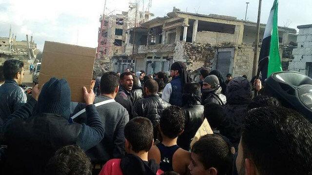 منبج السورية.. تواصل التظاهرات الرافضة للتجنيد القسري