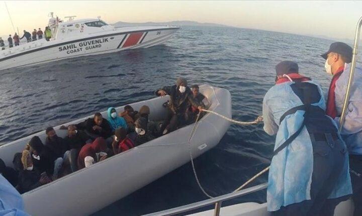 إنقاذ 17 مهاجرًا غير نظامي قبالة السواحل الغربية لتركيا