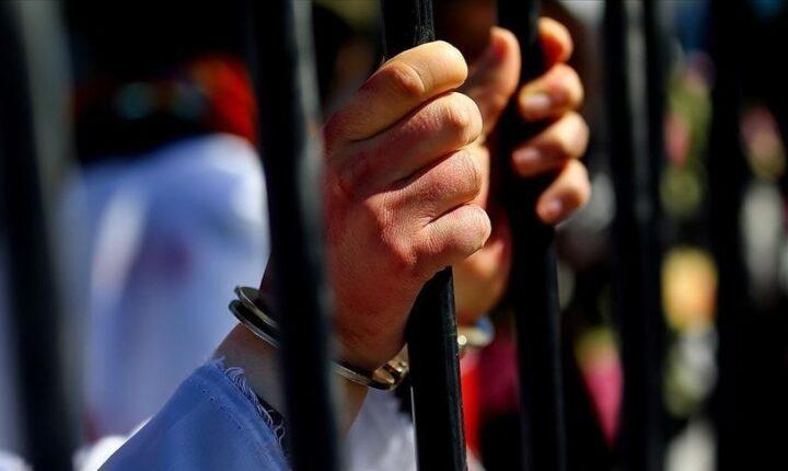 """إيران.. اعتقال صيني نشر صور فتيات على """"مواقع التواصل"""""""