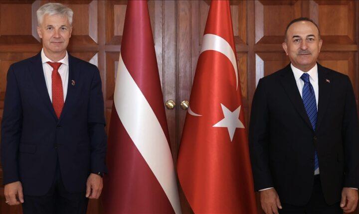 مباحثات تركية ليتوانية حول التعاون بالصناعات الدفاعية