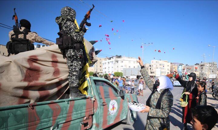 """""""سرايا القدس"""" تنظم عرضا عسكريا في غزة"""