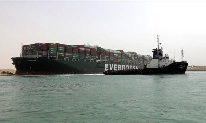 """مصر.. سفينة إيفر جيفن تتوصل لـ""""حل رسمي"""" وإطلاق سراحها الأربعاء"""