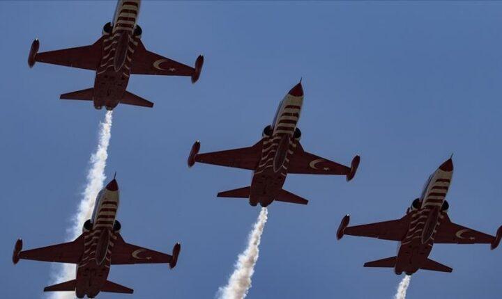 مقاتلات تركية تنفذ استعراضًا جويًا في أجواء قبرص