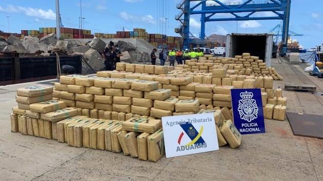 قيمتها 400 مليون يورو.. إسبانيا تصادر شحنة مخدرات من سفينة لبنانية طاقمها سوري