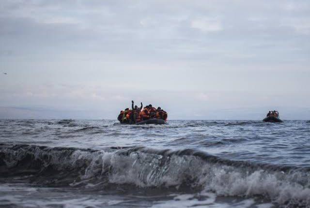 """خفر السواحل التركية ينقذ لاجئين سوريين قبالة سواحل """"موغلا"""""""