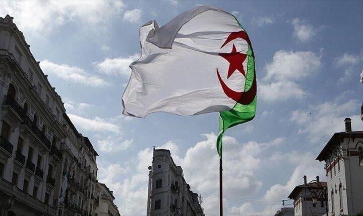 مباحثات تركية جزائرية لتعزيز التعاون في الصناعات الصيدلانية